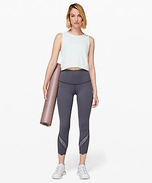 44d1f825 Wunder Under Crop II Roll Down Scallop Full-On Luxtreme 24