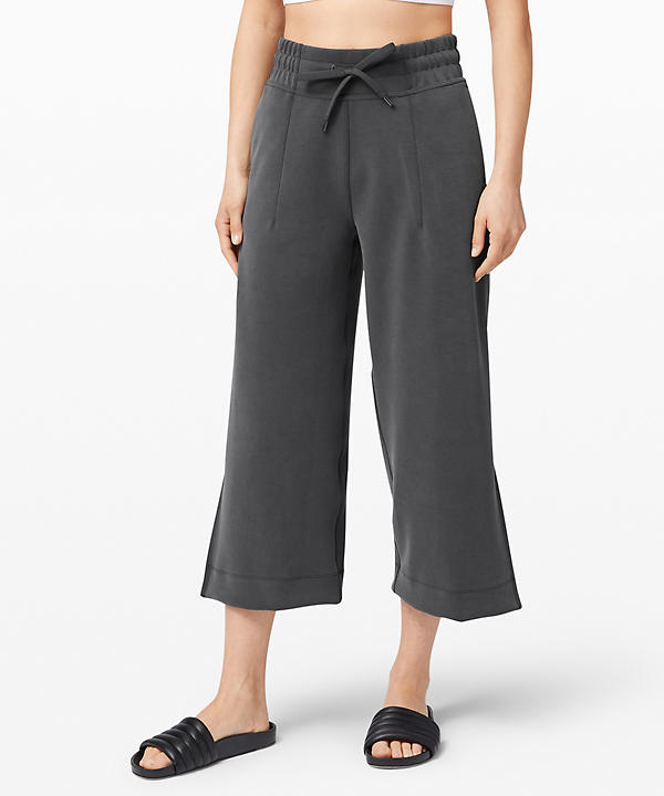 Soft Ambitions High Rise Crop | Women's Capris