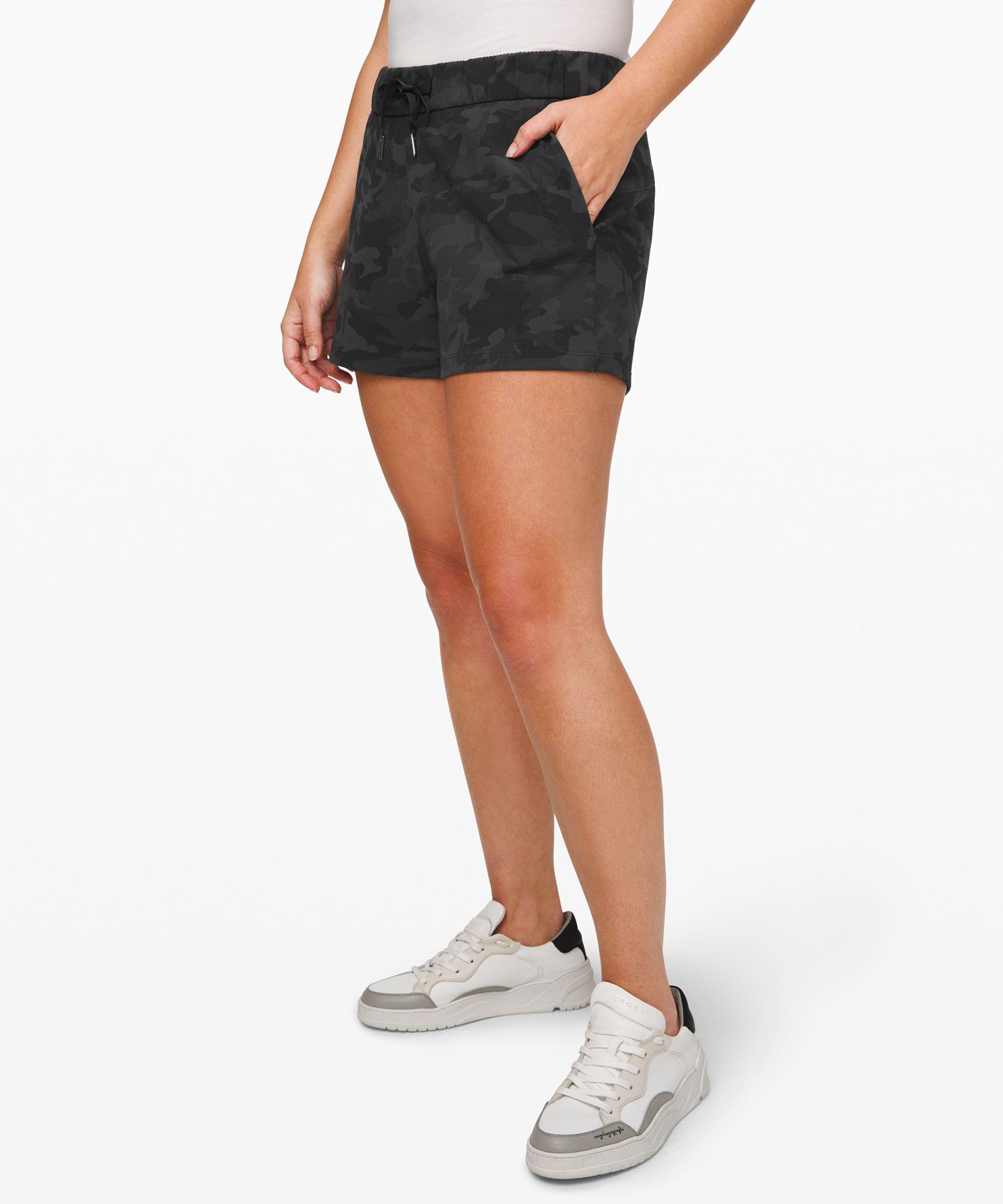 """On The Fly Short 2.5""""Full On™ Luxtreme by Lululemon"""