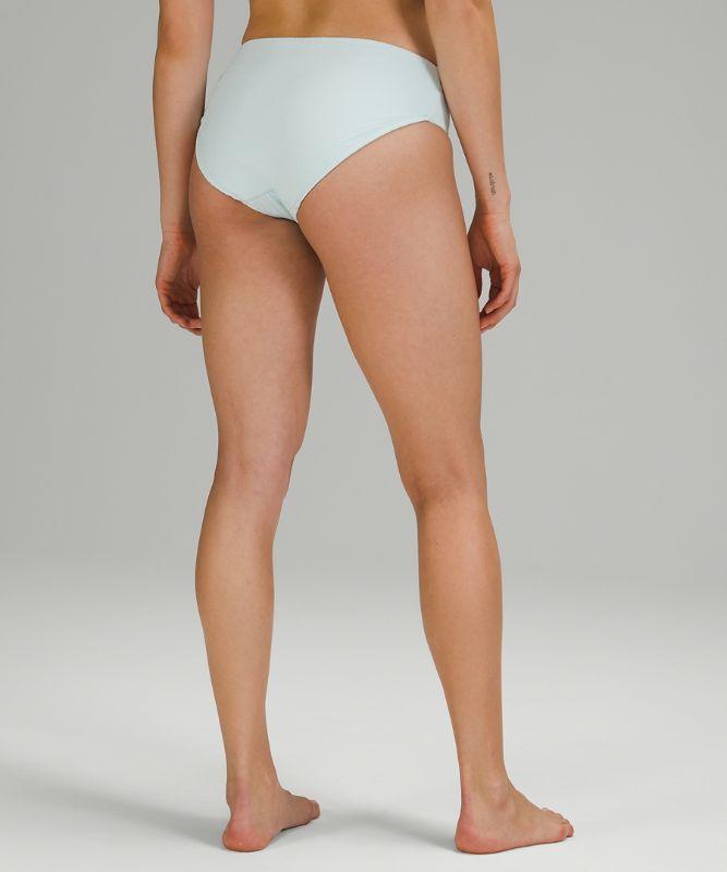 Waterside Seersucker Mid-Rise Bikini Bottom *Medium Coverage