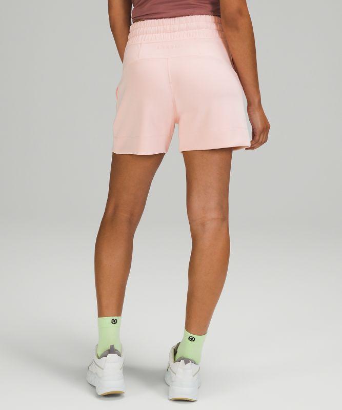 Soft Ambitions Shorts mit hohem Bund 10cm