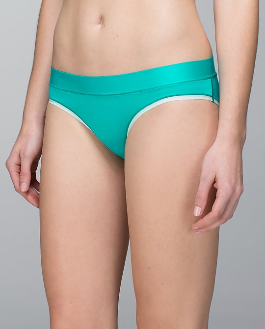 Mula Bandhawear Bikini