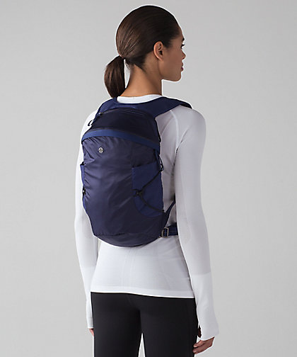 run-all-day-backpack-ii-womens-fit-13l by lululemon
