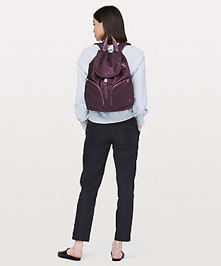 The Yoga Bag 14l Women S Bags Lululemon Athletica