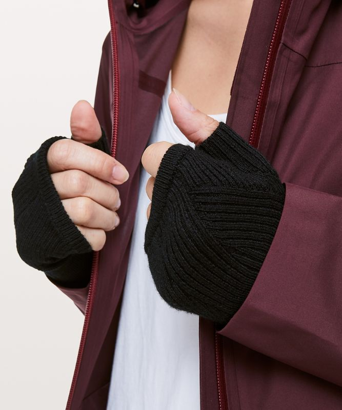 Twist Of Cozy Fingerless Glove