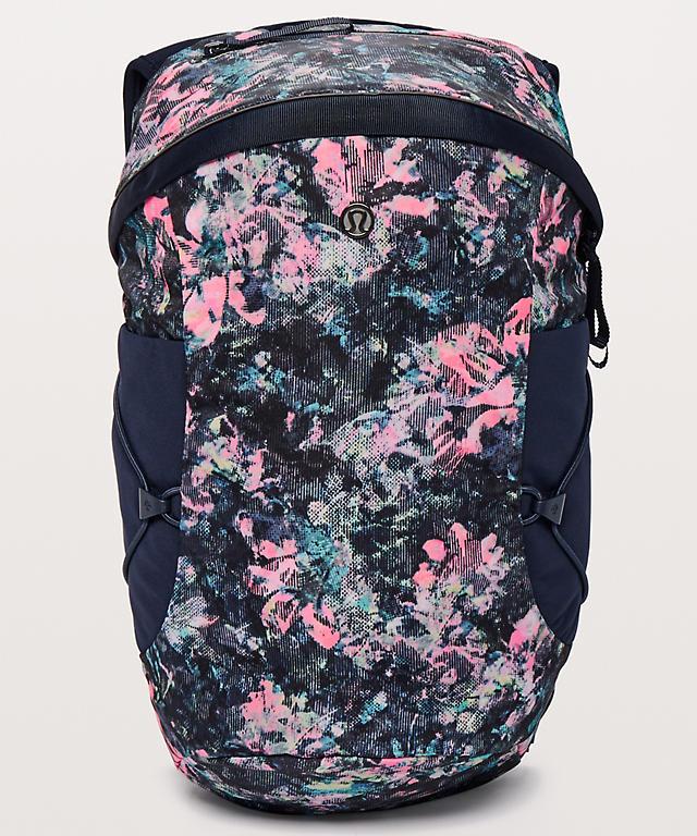 Run All Day Backpack II  Women s Fit 13L   Women s Bags   lululemon ... 3730020eb1