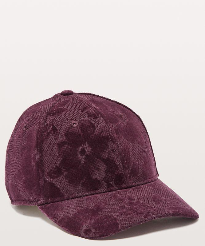 Baller Hat *Flocked
