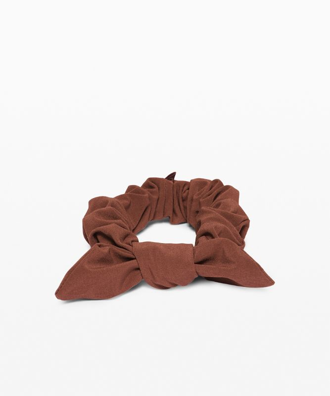 Uplifting Scrunchie *Bow