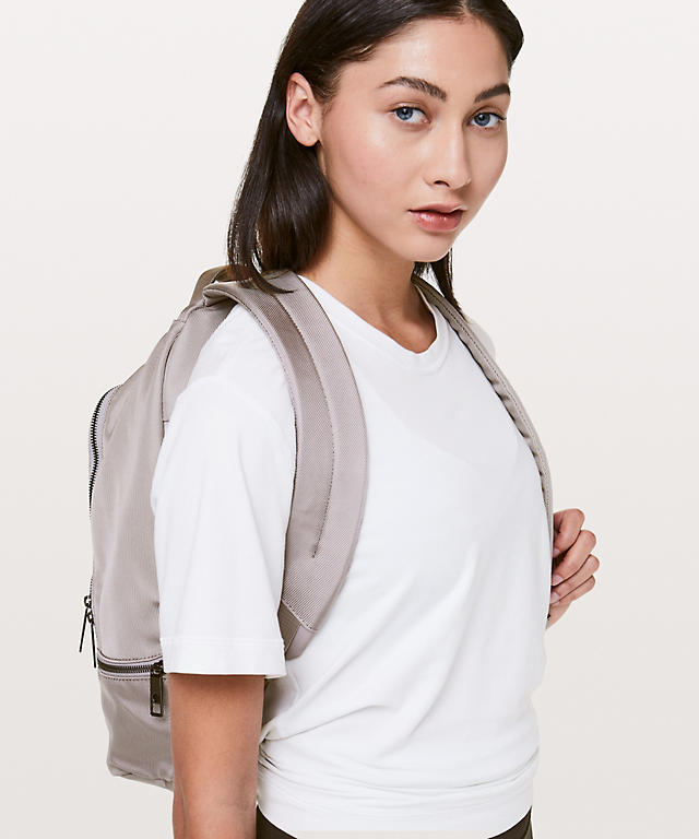City Adventurer Backpack 17l Women S Bags Lululemon