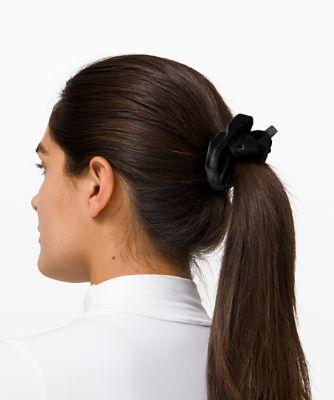 Uplifting Scrunchie *Velvet