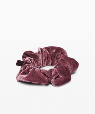 Uplifting Scrunchie Velvet