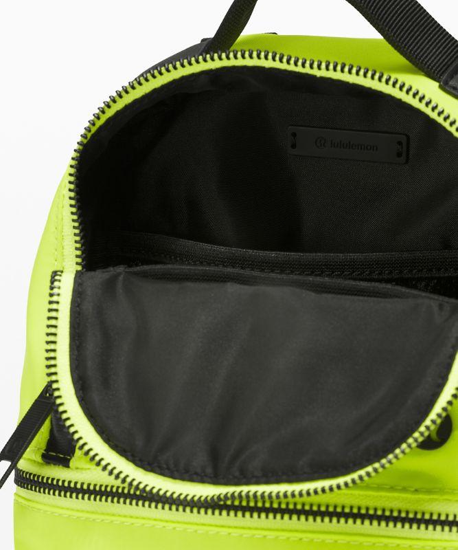 City Adventurer Backpack *Micro 3L