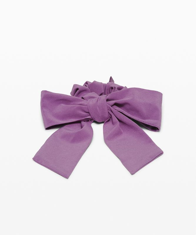 Uplifting Scrunchie *Big Bow