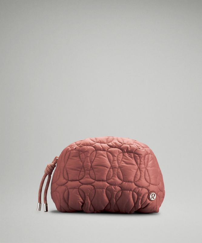 Quilted Embrace Tasche