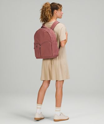 Curved Lines Backpack 17L