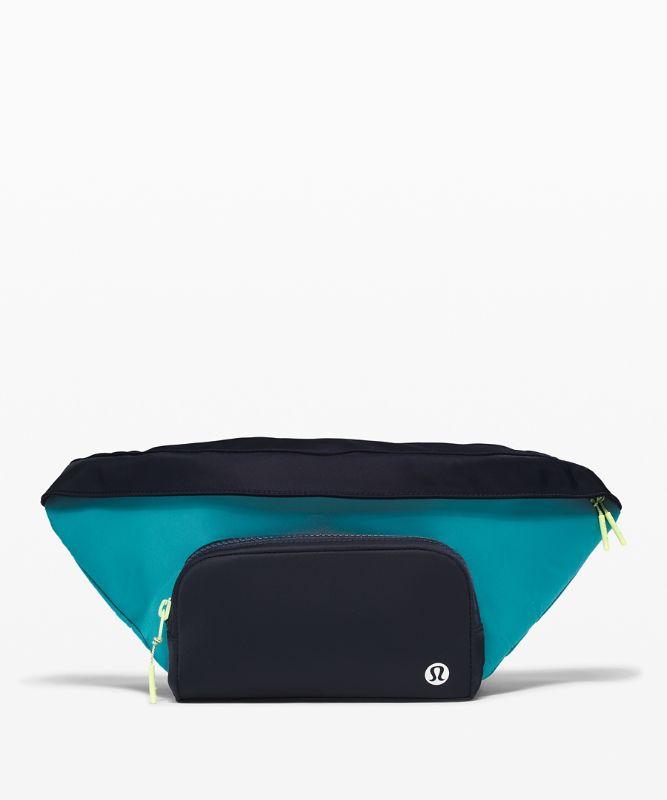 The Rest is Written Belt Bag *3L