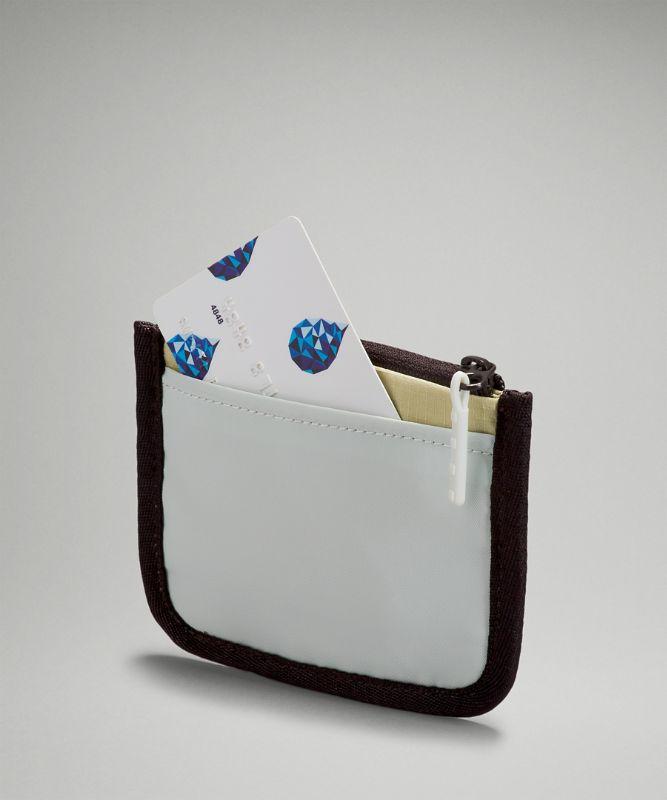 True Identity Kartenhalter