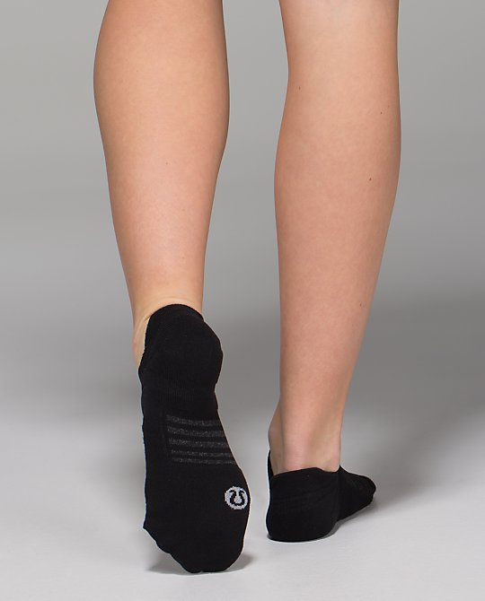 W Ultimate No Show Sock*SLVR