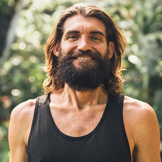 Paul  Izak